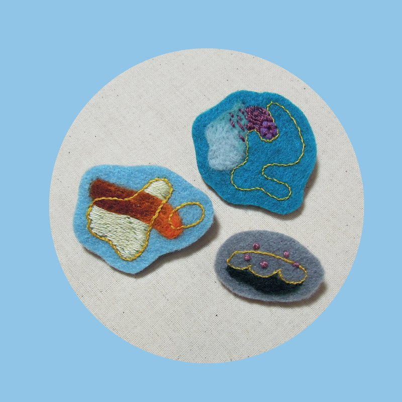 Eat me/hand embroidery pin set