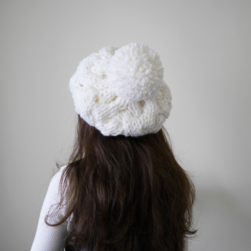 Thick needle twist detachable ball knit wool beret cap - white
