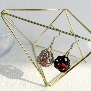 Collar and round basket balls Earrings Black × Gray