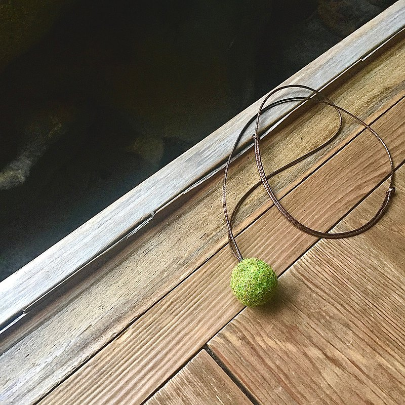 mini kokedama necklace