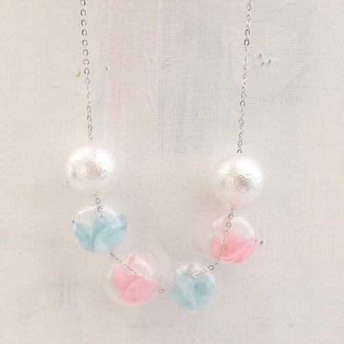 LaPerle blue and pink amaranth flower glass bead necklace blue and pink amaranth flower preserved flowers geometric glass beads transparent bubble ball necklace necklace necklace necklace birthday gift Preserved Flower Necklace