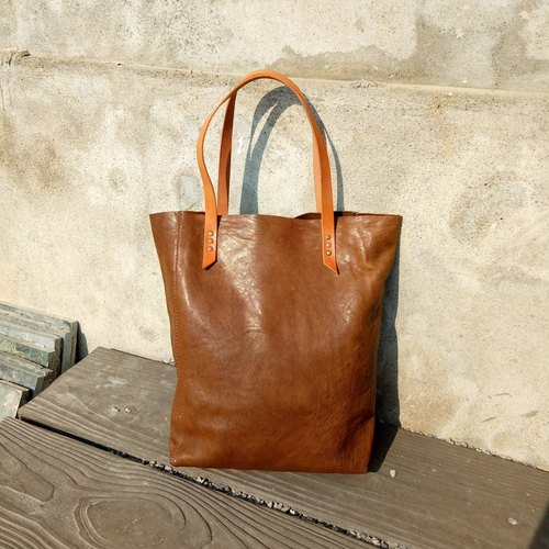 Hand to get sheepskin small bag (full hand stitch / all leather)
