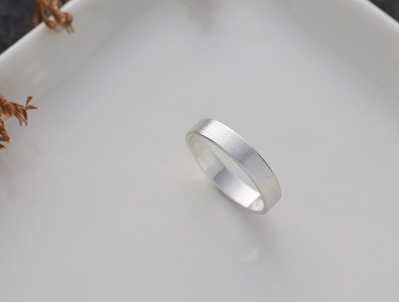Ni.kou sterling silver sand ring (wide version)