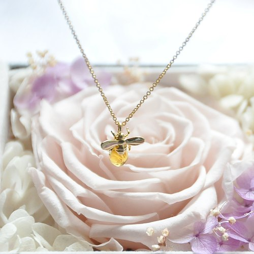 "armei ""sweet honey"" bee honey necklace honey Bee Necklace"