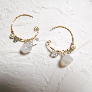 Pack 14K fat droplets in the C ring type moonstone earrings