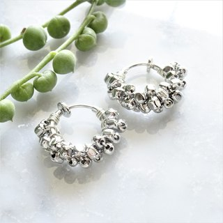 SILVER square metal*wrapped hoop earring耳夾式