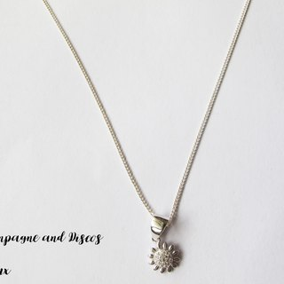 CD Bijoux Jewelry Silver light * small flower necklace *