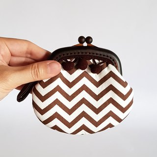 Caramel Pearl Hair Ball Tassel Plastic Gold Coin Purse / Brown