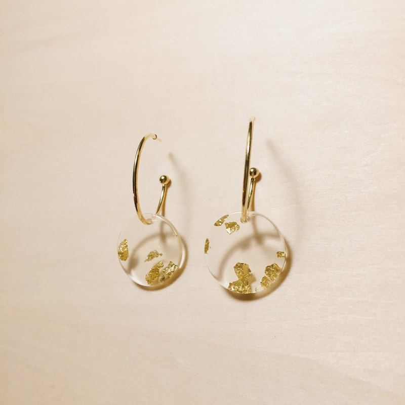 Vintage transparent gold foil C-shaped earrings