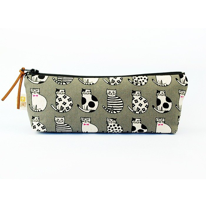 Cool cat wide-bottomed pencil case
