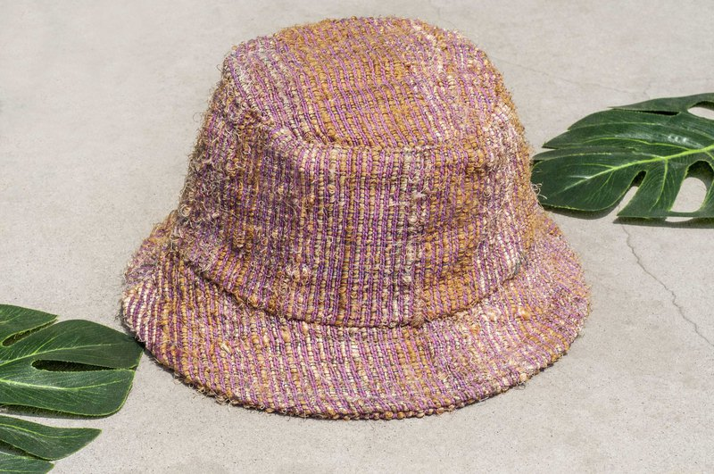 Chinese Valentine's Day gift limited a piece of land forest stitching hand-woven cotton hat / fisherman hat / sun visor / patch hat / handmade hat / hand crocheted hat / hand-woven - Strawberry sari hand-woven striped cotton hat