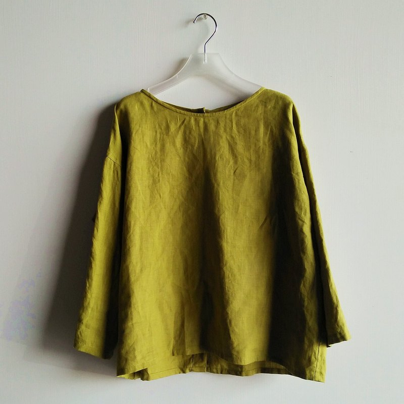 Rear buttoned seven-point sleeve shirt linen yellow green / optional color