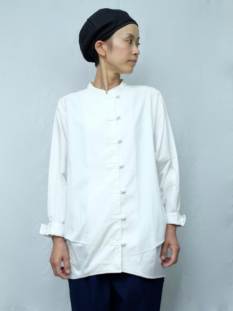 OMAKE Original buckle small stand collar shirt / white