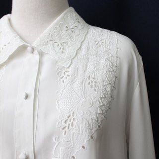 [RE1208T1690] in Korea elegant retro carved white embroidered vintage blouse