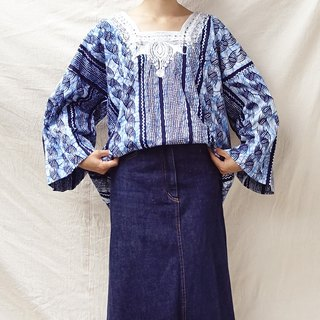 BajuTua / Vintage / Nigeria Blue dyed embroidered gown