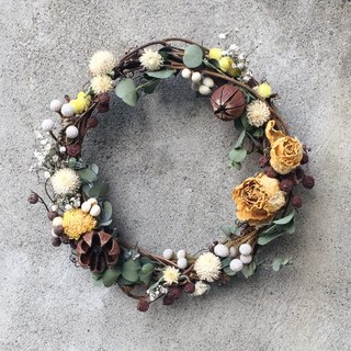 Dried yellow rose wreath