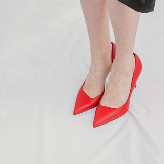 [Show products clear] bevel cut side hollowed out leather high heels red