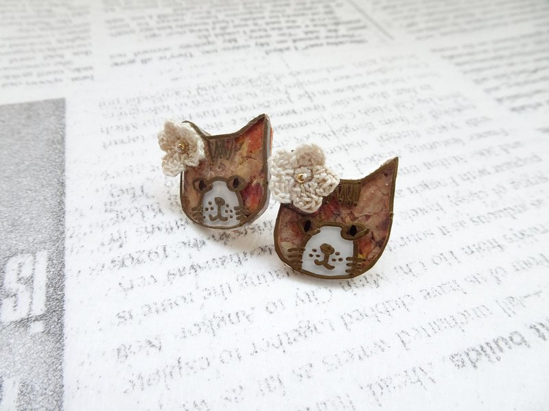 Flower Cat Shrink Plastic Earrings