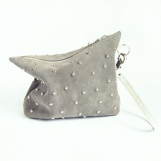 Grey burdock 卯 nail cosmetic bag / clutch bag / leather