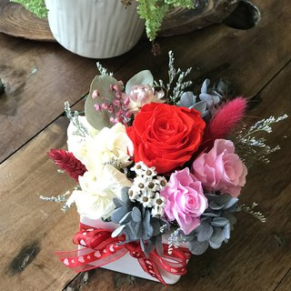 璎珞 Manor*wedding small things*not withered flowers. eternal flower / Gypsophila bouquet / G8 / Valentine's Day bouquet / eternal flower small bouquet / gift bouquet / dry flower / Valentine's Day gift / mother's day flower ceremony