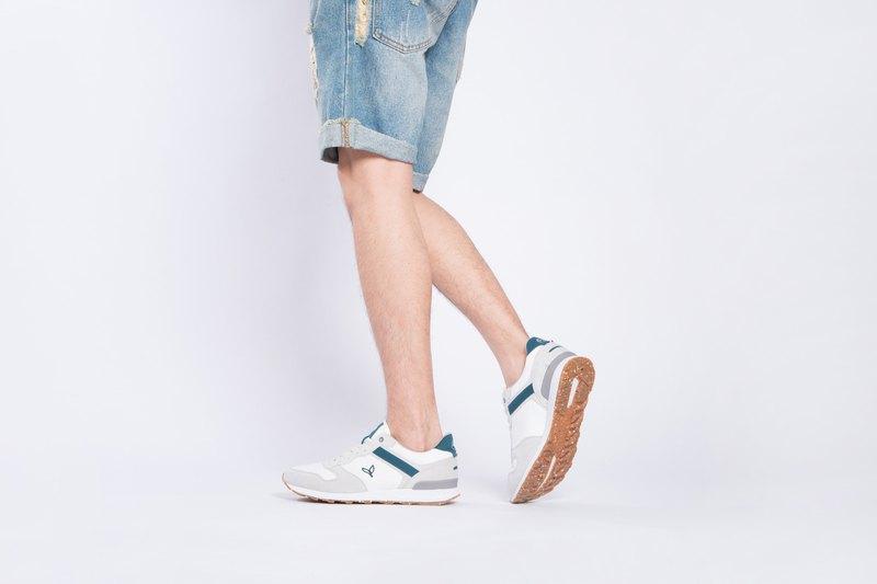 寶特瓶製休閒鞋  La Lande 復古慢跑鞋   淺灰/白   男生款