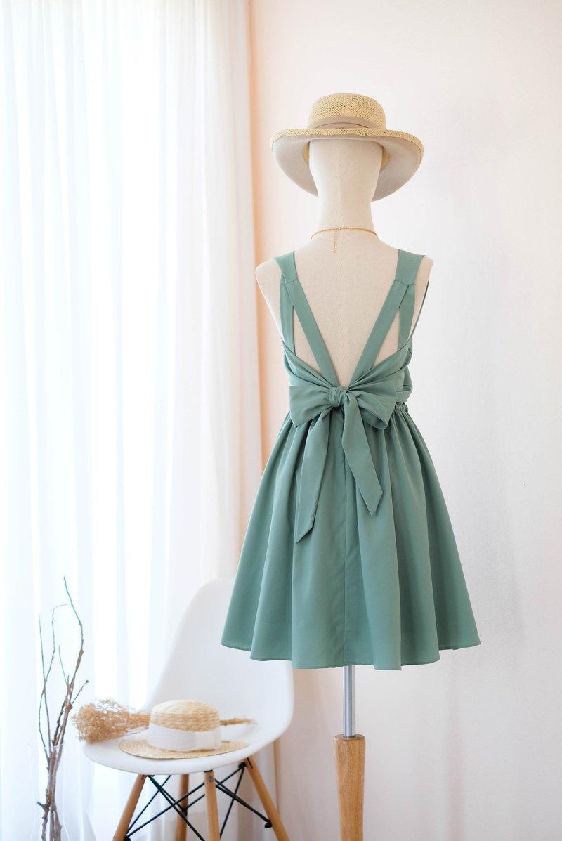 樸實的俄羅斯綠色禮服伴娘禮服露背派對雞尾酒短禮服