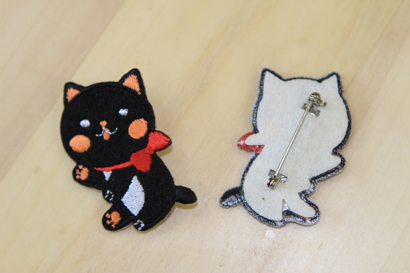 Cloth embroidered pin - baby meow meow series of mysterious pretty black meow (single)