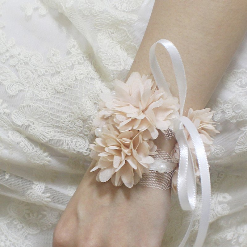 Pink Wrist Corsage Wedding Accessory for Mothers, Aunts, Sisters,Wedding Corsage