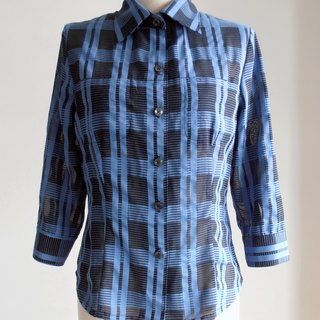 Black blue checkered shirt sleeve