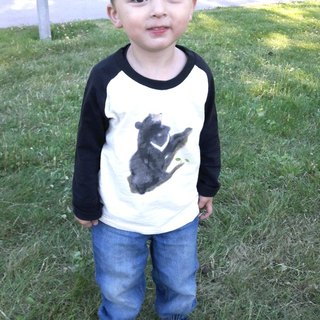 Taiwan Black Bear & Cinnamon long sleeve Long Sleeve Tee (child models)