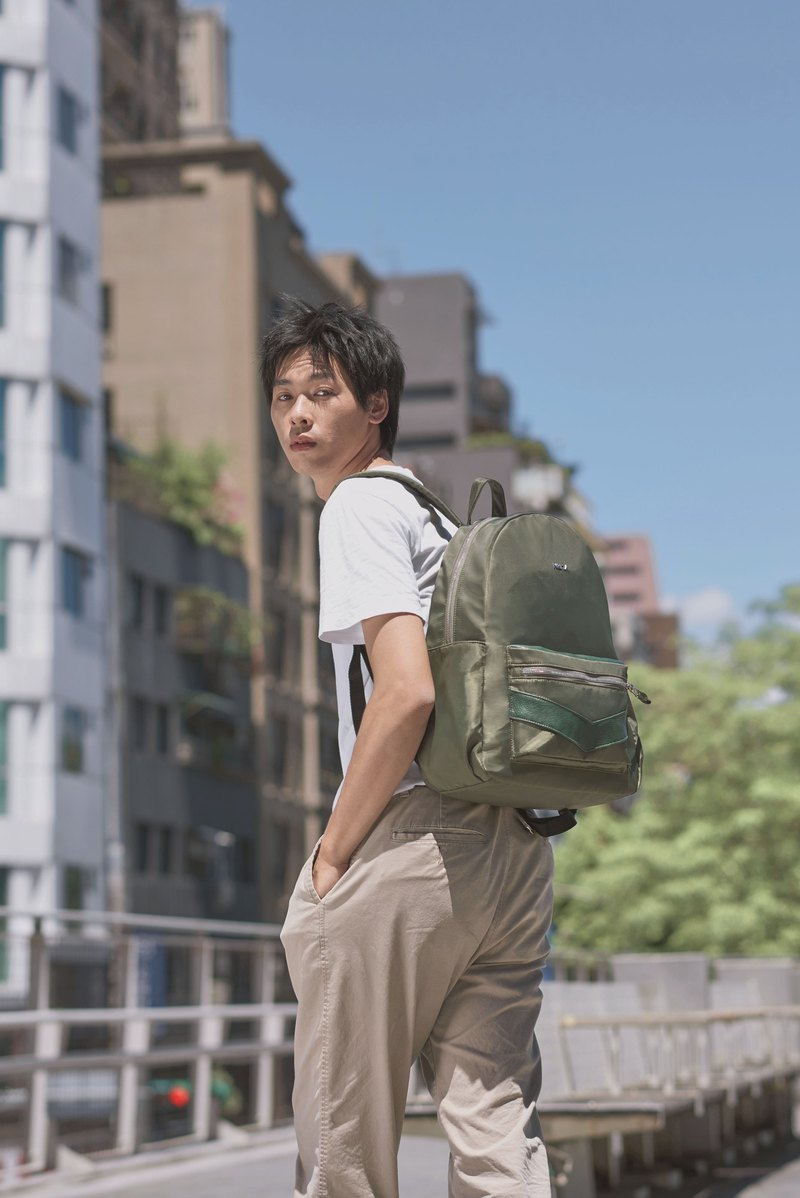 City Lightweight Waterproof Nylon Backpack【Army Green】
