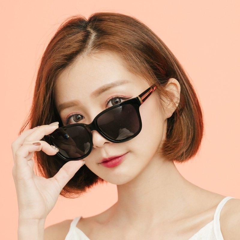 蜜涅瓦的智慧花冠│極簡風純黑方框偏光墨鏡│UV400太陽眼鏡