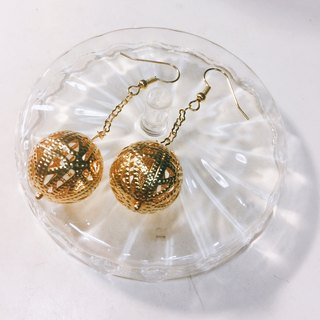 Polaris golden basket empty long earrings
