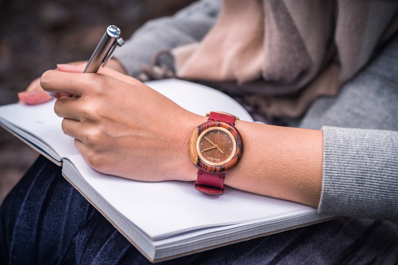 Idodan craftwatch precious wood series containing life-passion rosewood