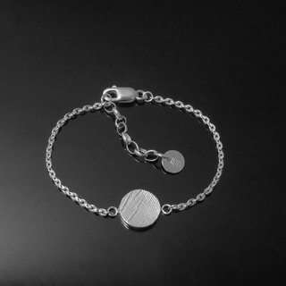 Retouching ReShi / Fingerprint Flat Wafer Bracelet (Small) / 925 Sterling Silver / Customized Customized