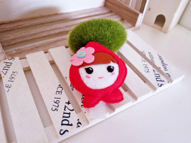 Non-woven ~ fixed plastic document holder ~ Little Red Riding Hood