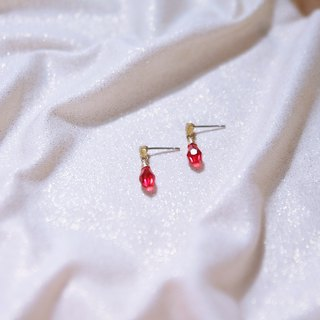 Antique shop series bright red pigeon blood translucent Shihua Luoqiqi face water drop single diamond zircon earrings