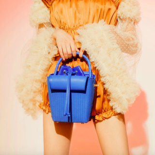 Blue dish basket top layer sheepskin handcuffs shoulder and dual purpose with separate inner bag ins square bucket bag