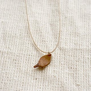 small leaf necklace