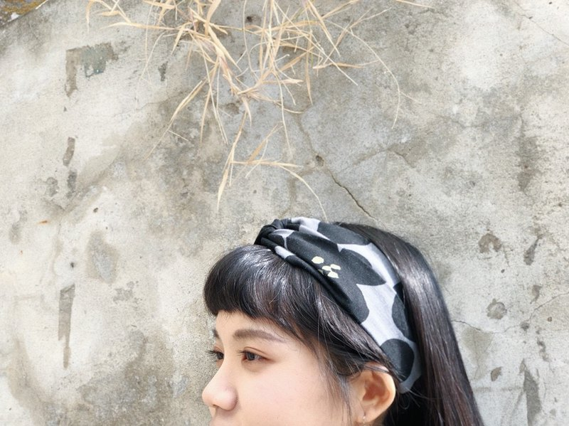 Hand made cross hair band / Nordic flower