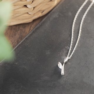 Waka Leaf Necklace Silver 925