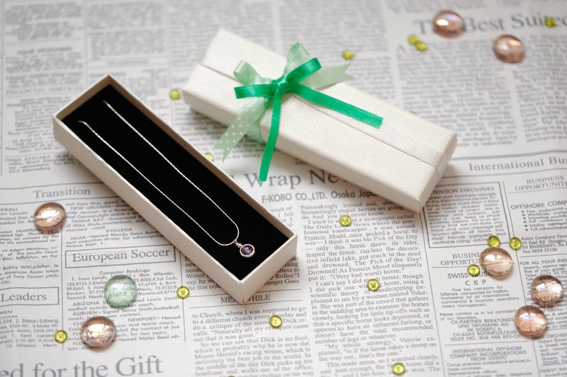 || Gift Wrapping || Plus Purchase Service. Qingli Style / Green Ribbon Dot White Convex Rectangular Flat Box