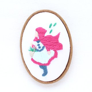 Little Red Riding Hood - Embroidery Brooch Kit