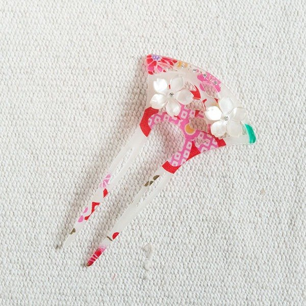 flower hairpin-white