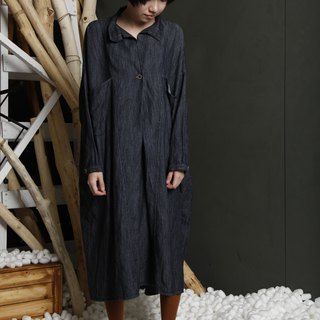 Native _ self-protection color single buckle dress