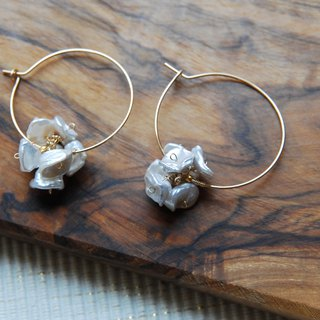 Keshi Pearl Chip Flower Hoop Earrings 14 kgf