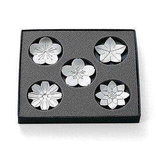 There is a flower survey folding pure chopsticks holder