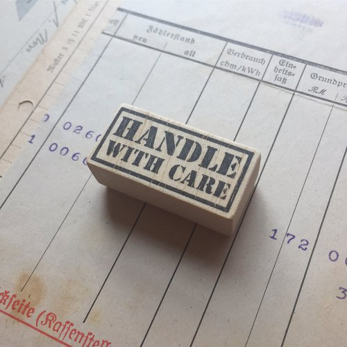 Label series - Handle with care