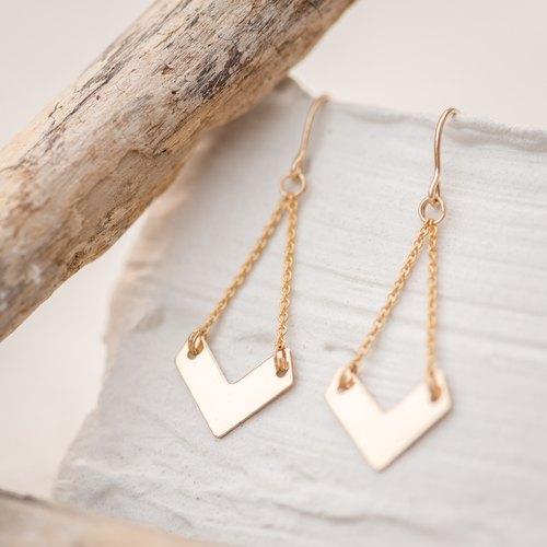 VIETNAM earrings V shape in 14k Gold filled