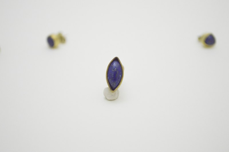 Simple little stone-lapis lazuli‧ Marquise Brass Clip On Earring
